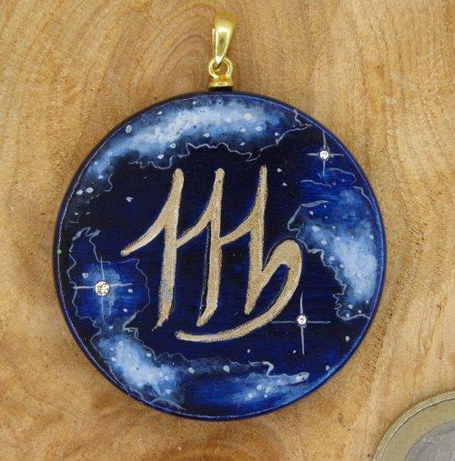 """Produktbild Amulett Sternzeichen """"Jungfrau"""" mit Sternenhimmel"""